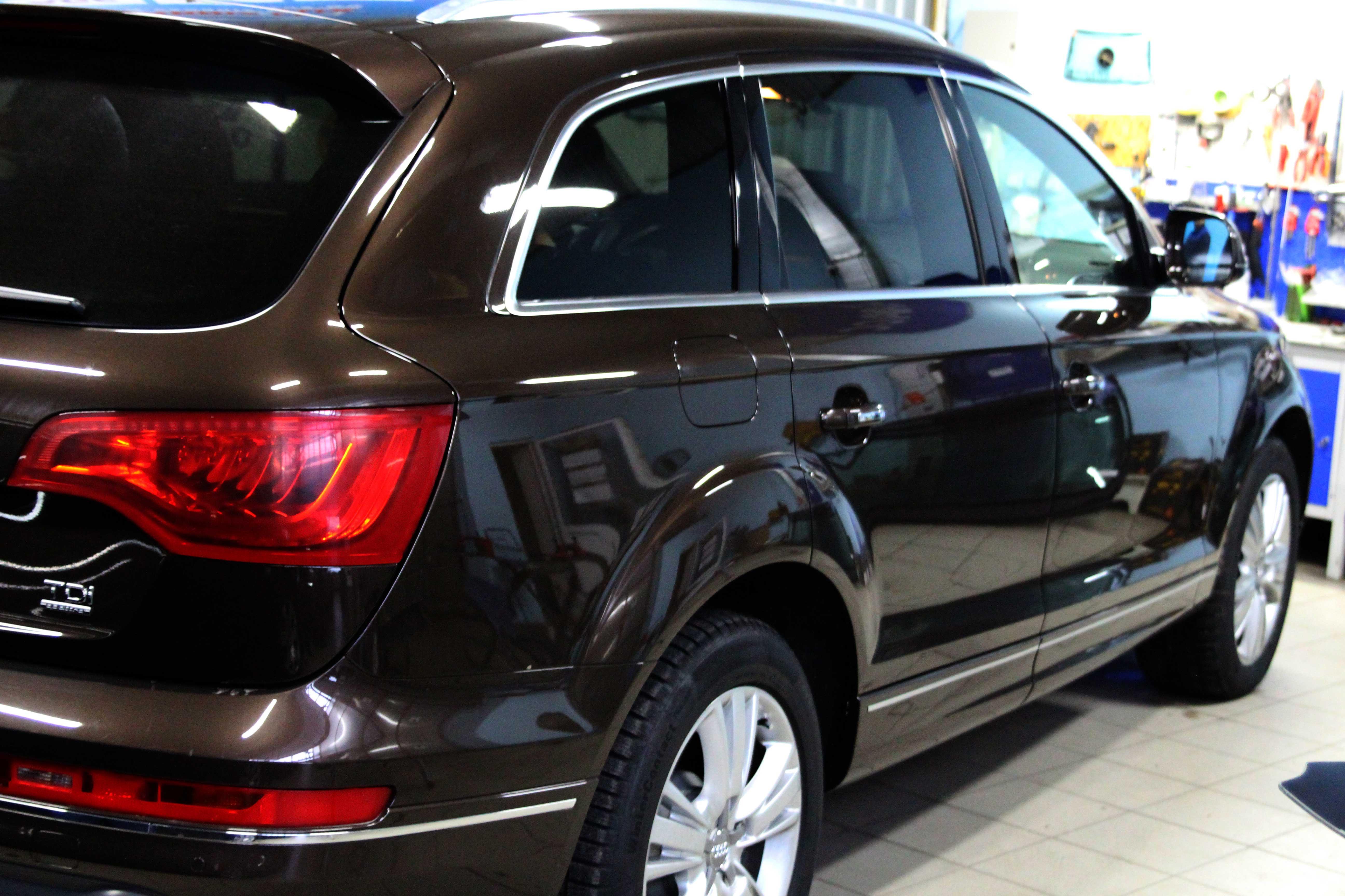 стекло Audi Q7