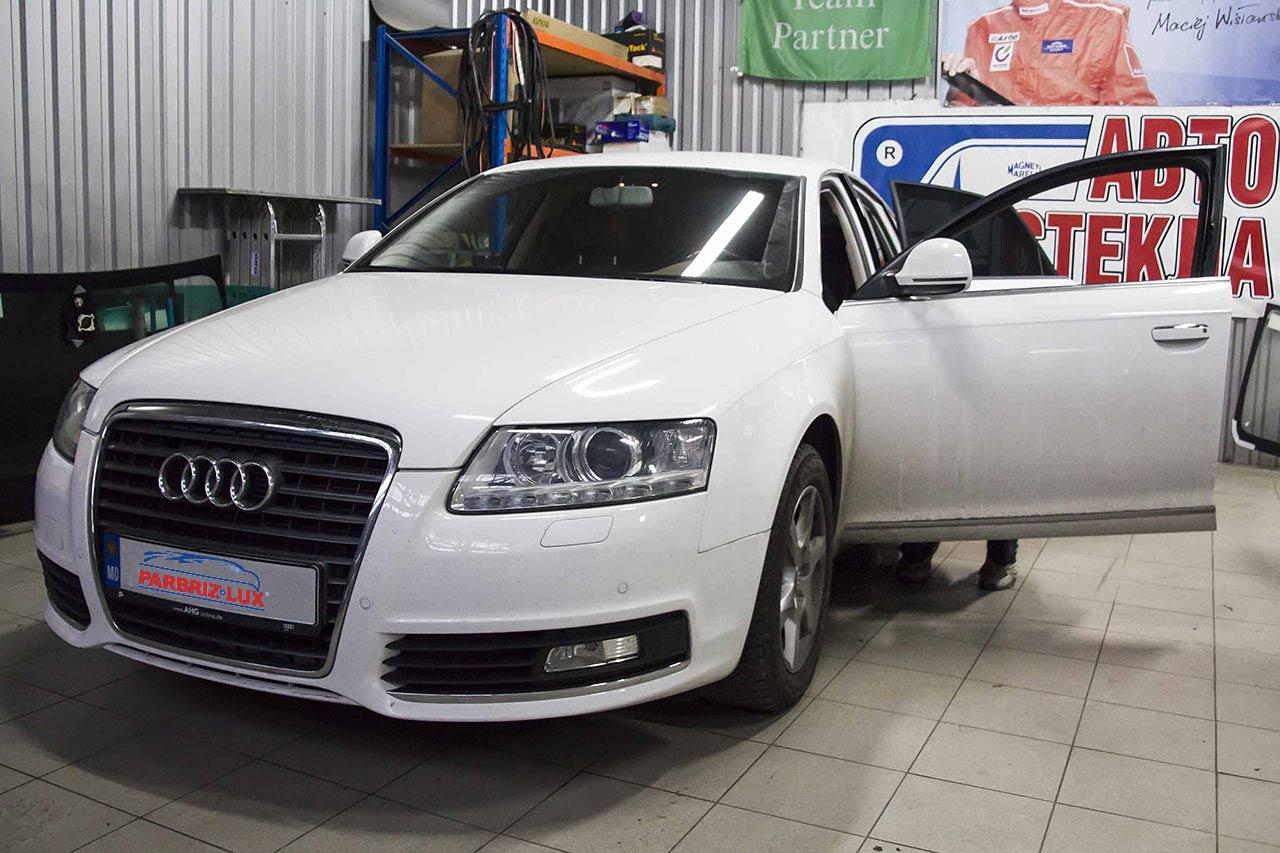 Боковое стекло Audi A4
