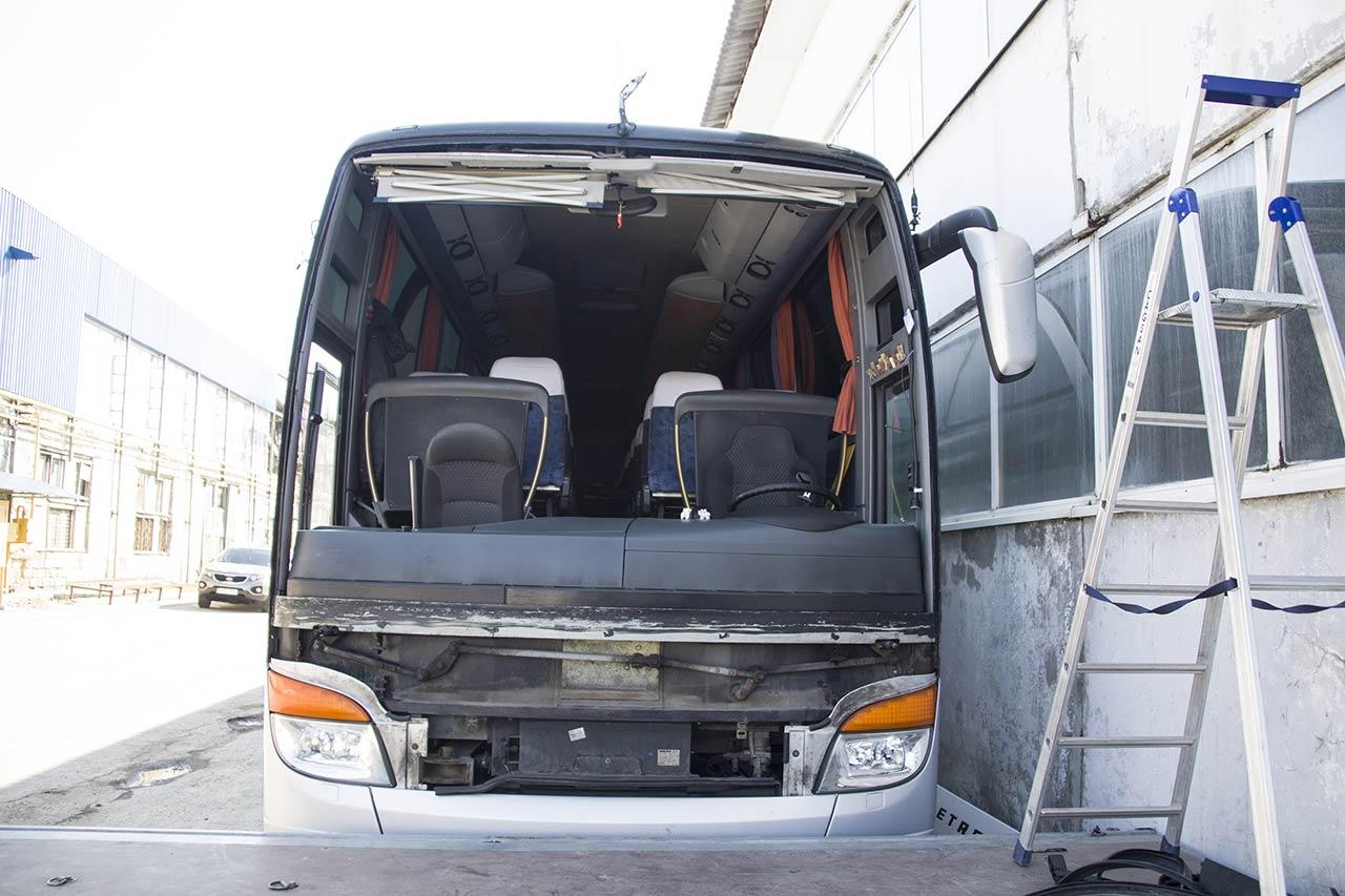 Лобовое стекло на автобус Setra